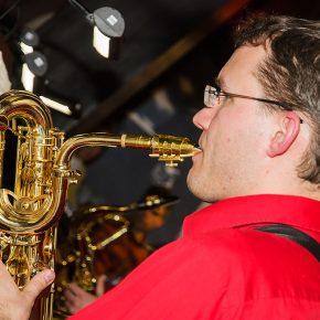Saxophon Jazz-Hall