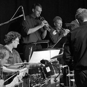 Daimler BigBand spielen Jazz
